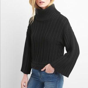 Bell sleeve turtleneck sweater / black